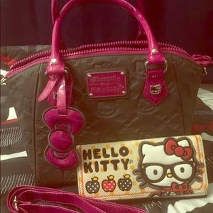 Hello Kitty Authentic